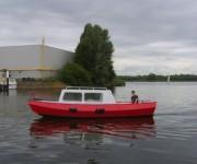 Kajuitboot met buitenboordmotor