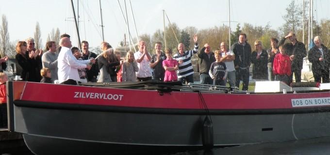 Rondvaartboot De zilvervloot huren in Roelofarendsveen, Zuid-Holland