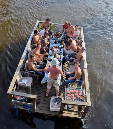 Terrasboot / Partyboot huren in Breda, Noord-Brabant