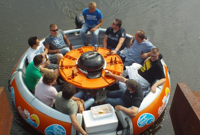Partyboot / BBQ donut huren in Breda, Noord-Brabant