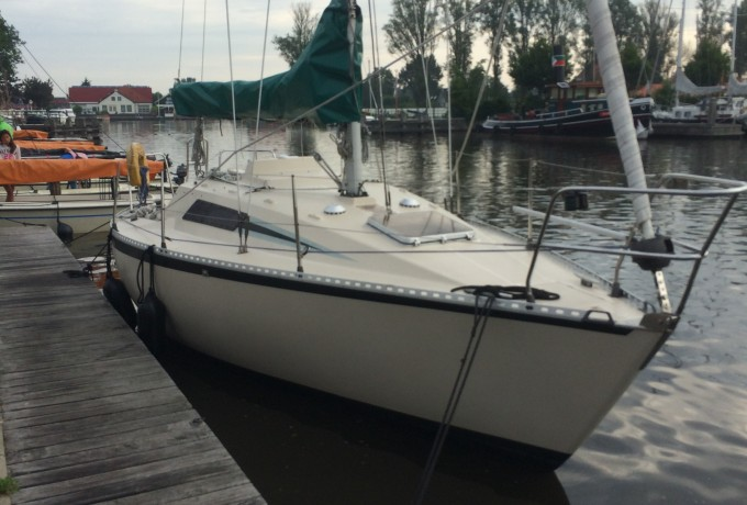 Beneteau First 27 huren in Heeg, Friesland
