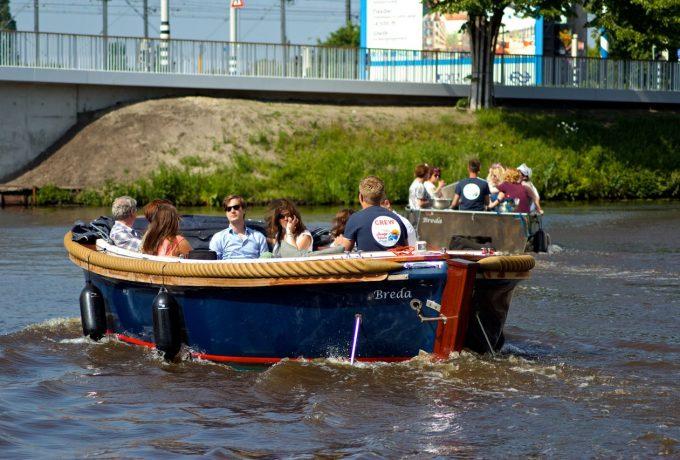 Sloep (15 personen) huren in Breda, Noord-Brabant