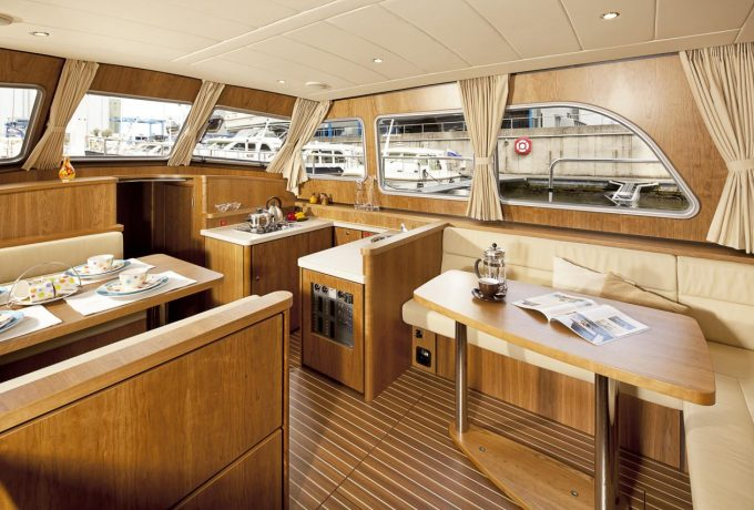 Linssen Grand Sturdy 40.9 AC Waterline huren in Aalsmeer, Noord-Holland